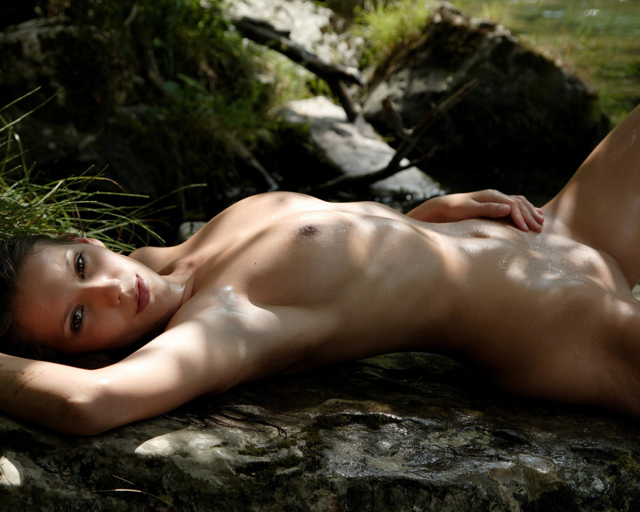 Download nude gp