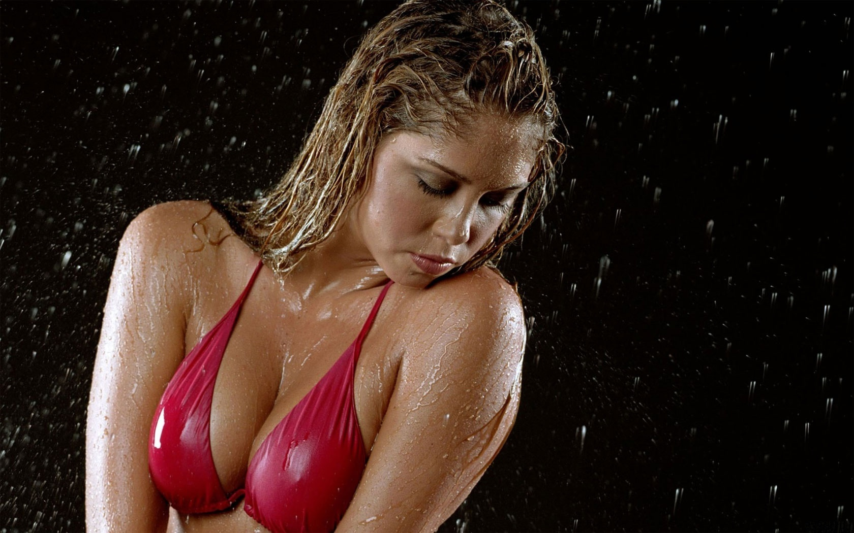 мокрые девушки фото и видео ним может