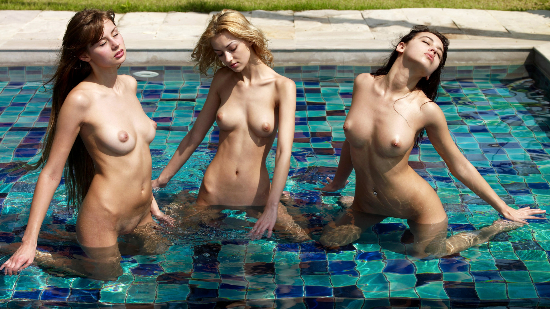 Hot nude adult swimming exposed photos