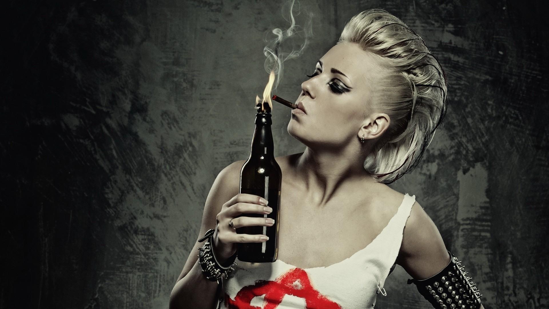 https://img2.badfon.ru/original/1920x1080/6/52/devushka-sigareta-plamya.jpg