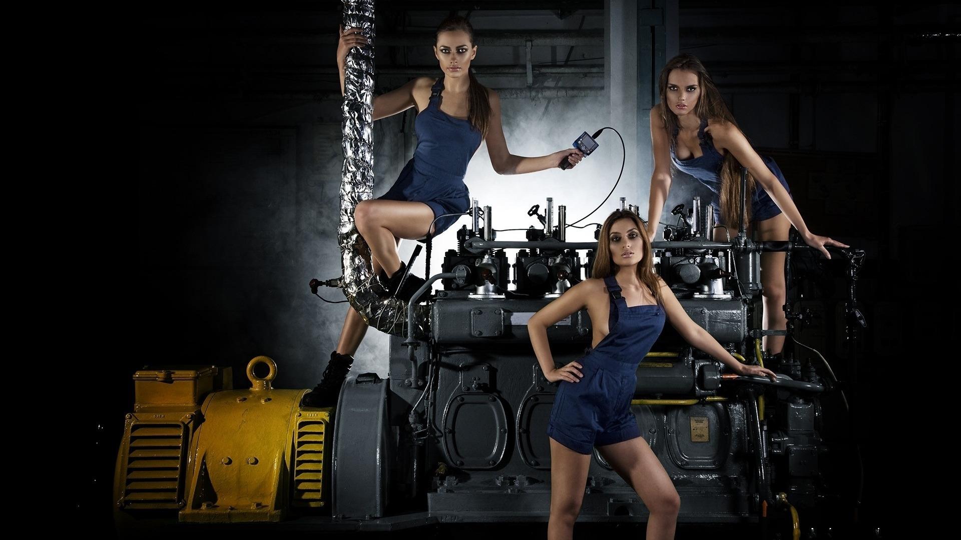 Металлопрокат и девушки фото