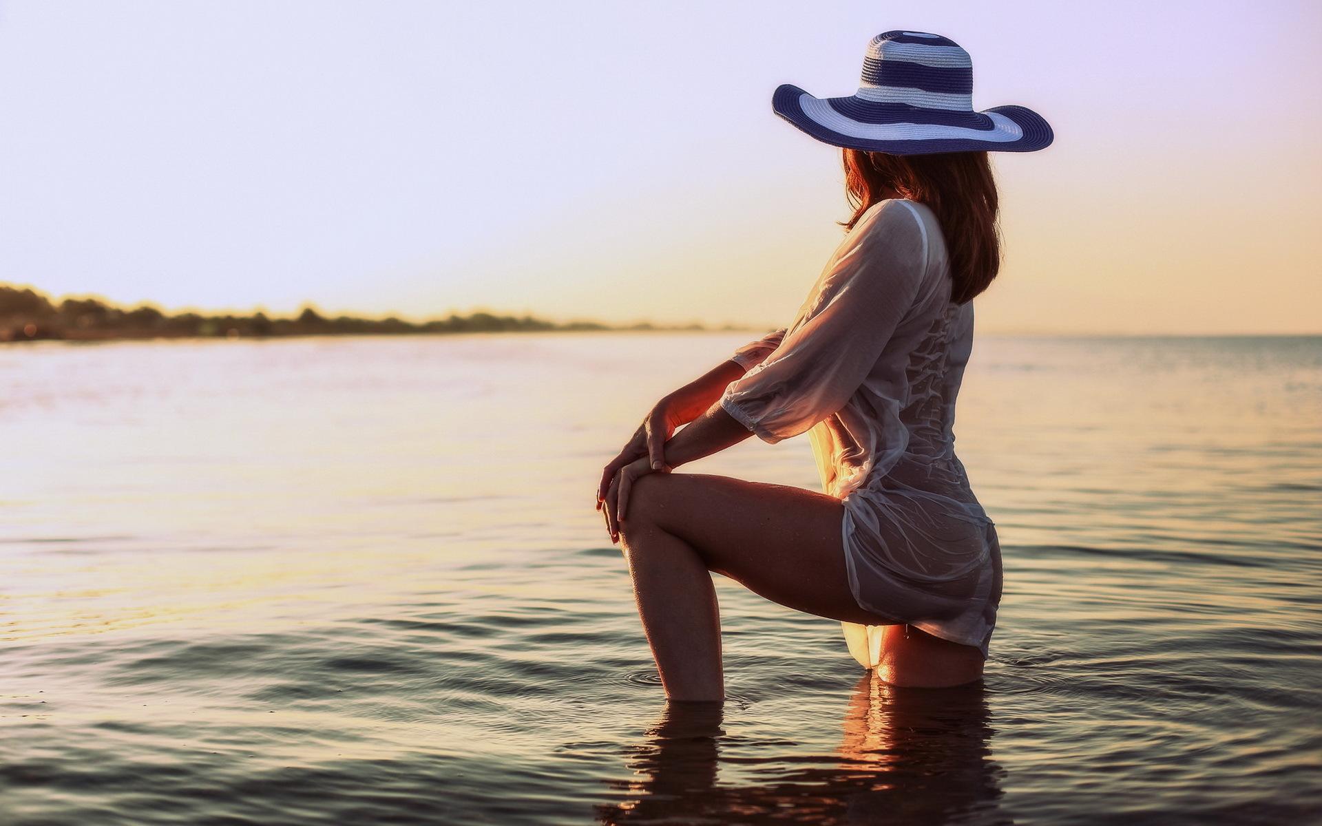 как красиво сфотографироваться на фоне моря
