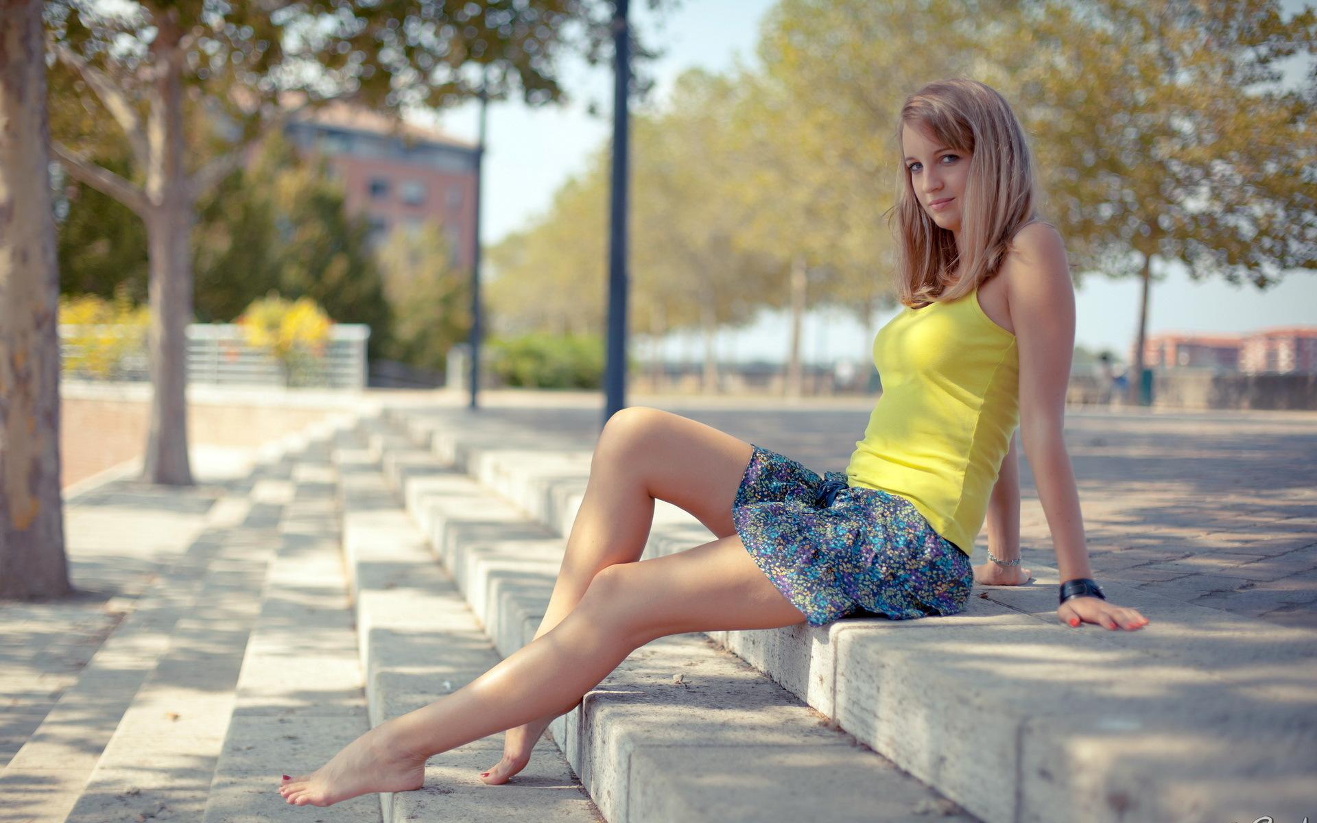 Русские босые девушки 3 фотография