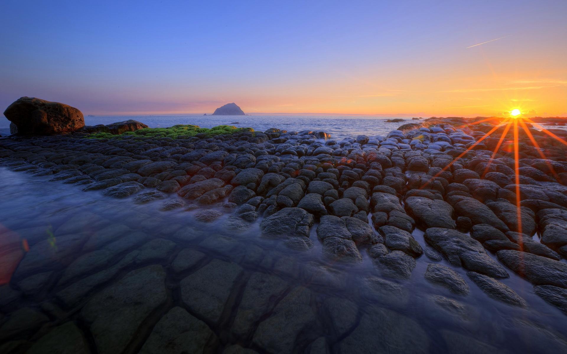 море берег камни закат sea shore stones sunset  № 1033077 бесплатно