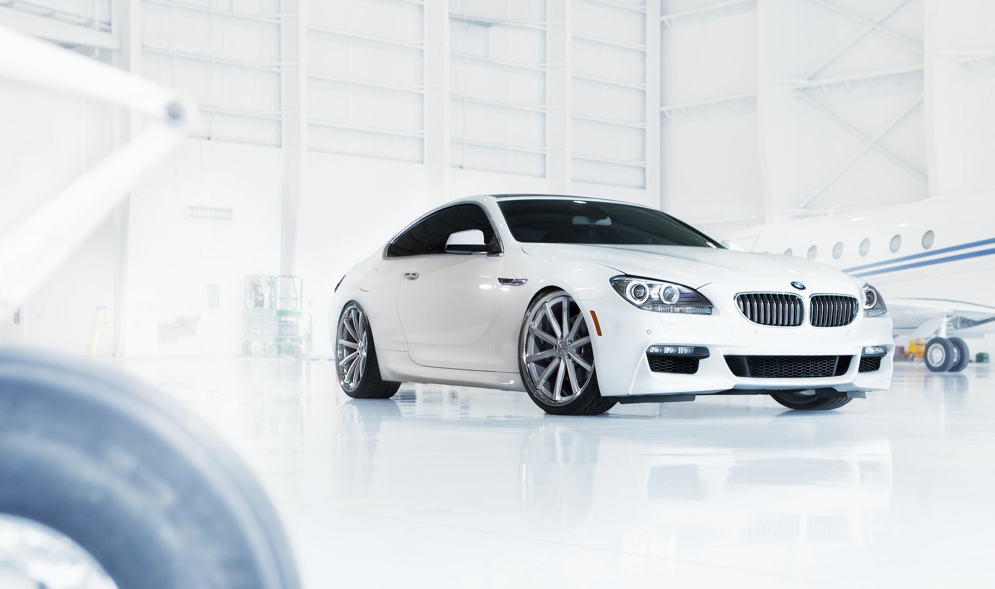 BMW в ангаре  № 960670  скачать