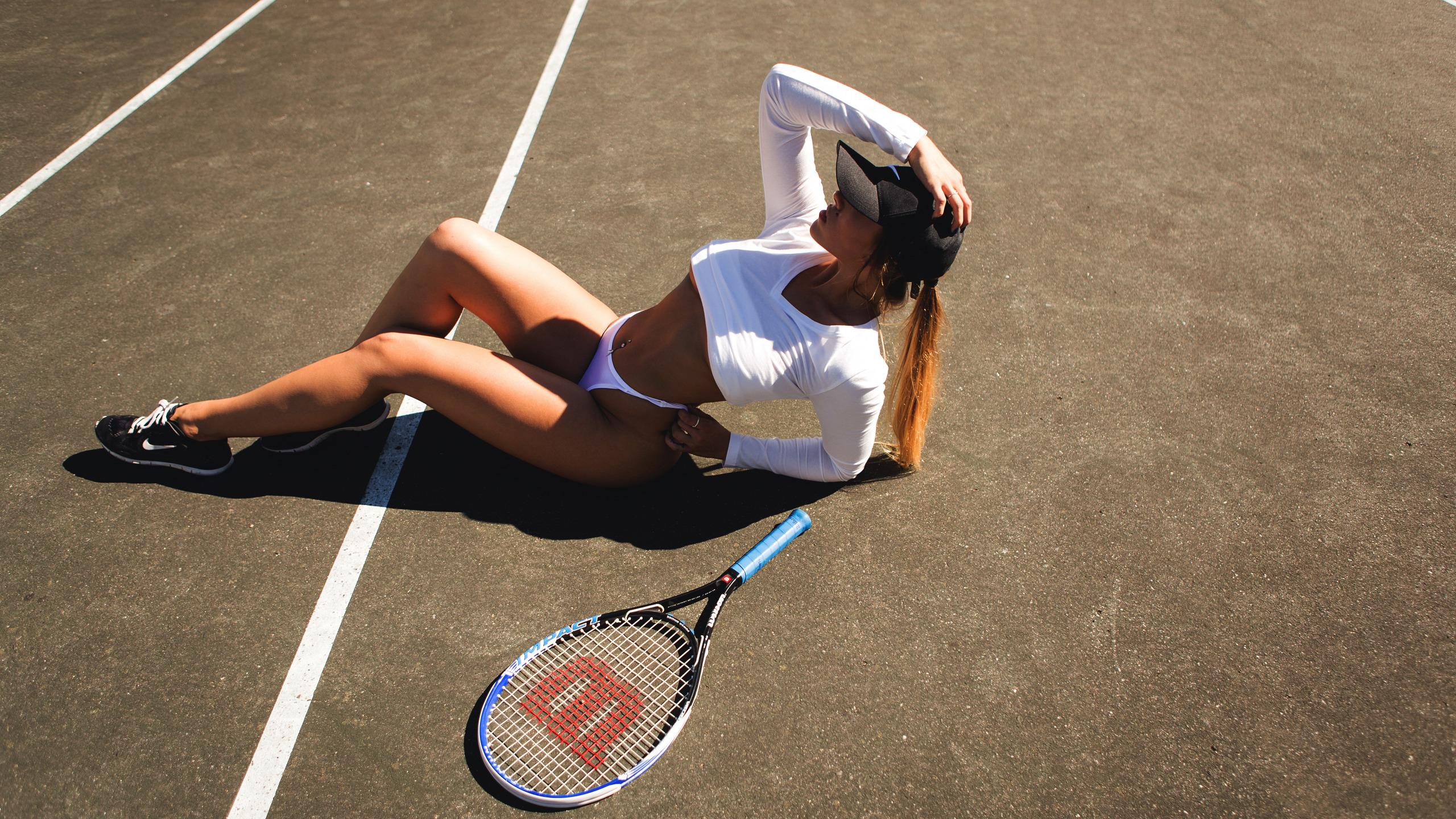 Тенисистка  № 989617 бесплатно