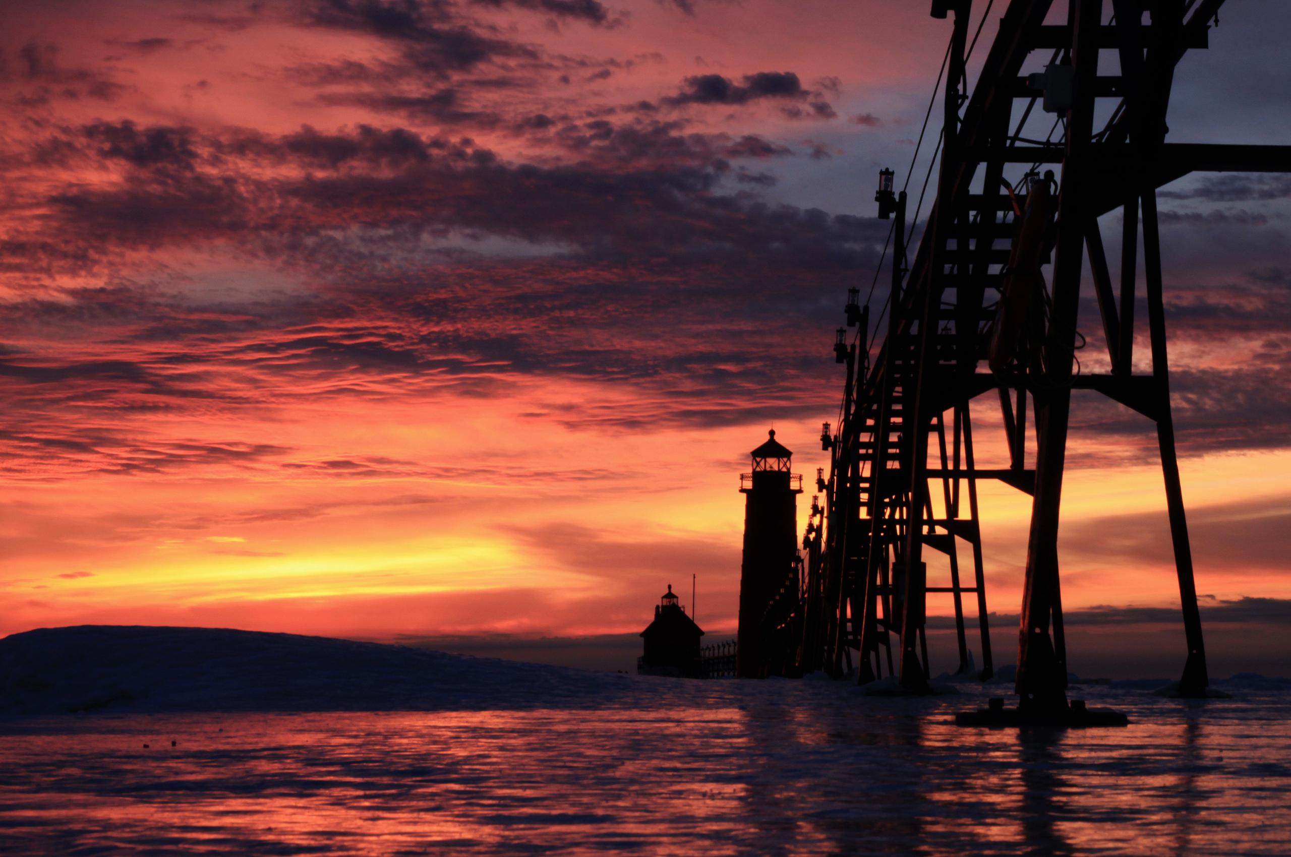 закат маяк море  № 1019950 загрузить