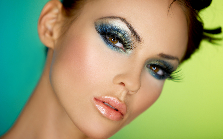 Профессиональный макияж на фото