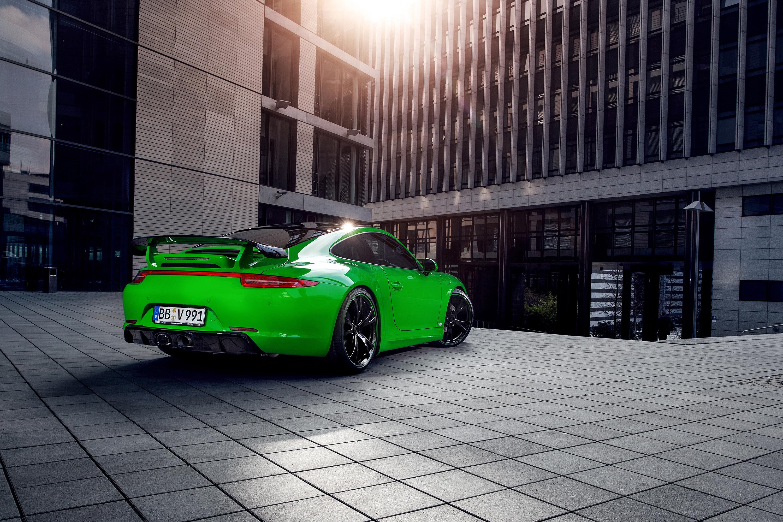 спортивный автомобиль зеленый porsche 911 carrera 4s  № 2596574  скачать