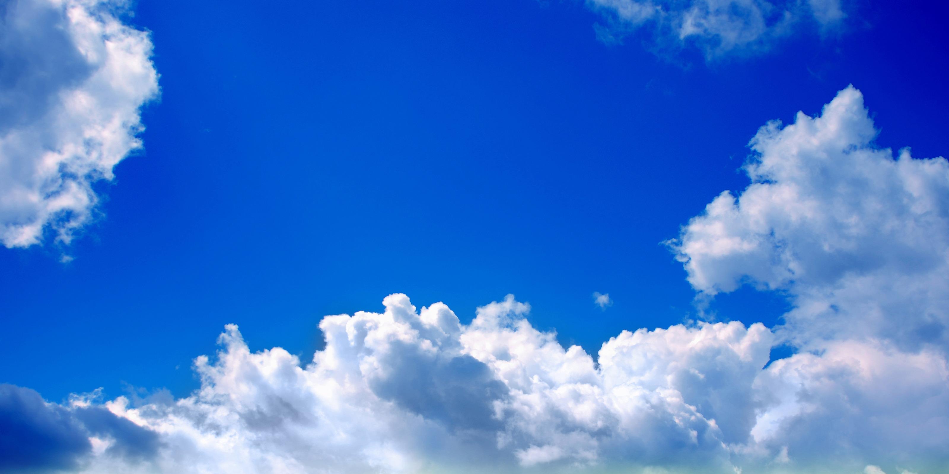 Облака в голубом небе  № 1666010 загрузить