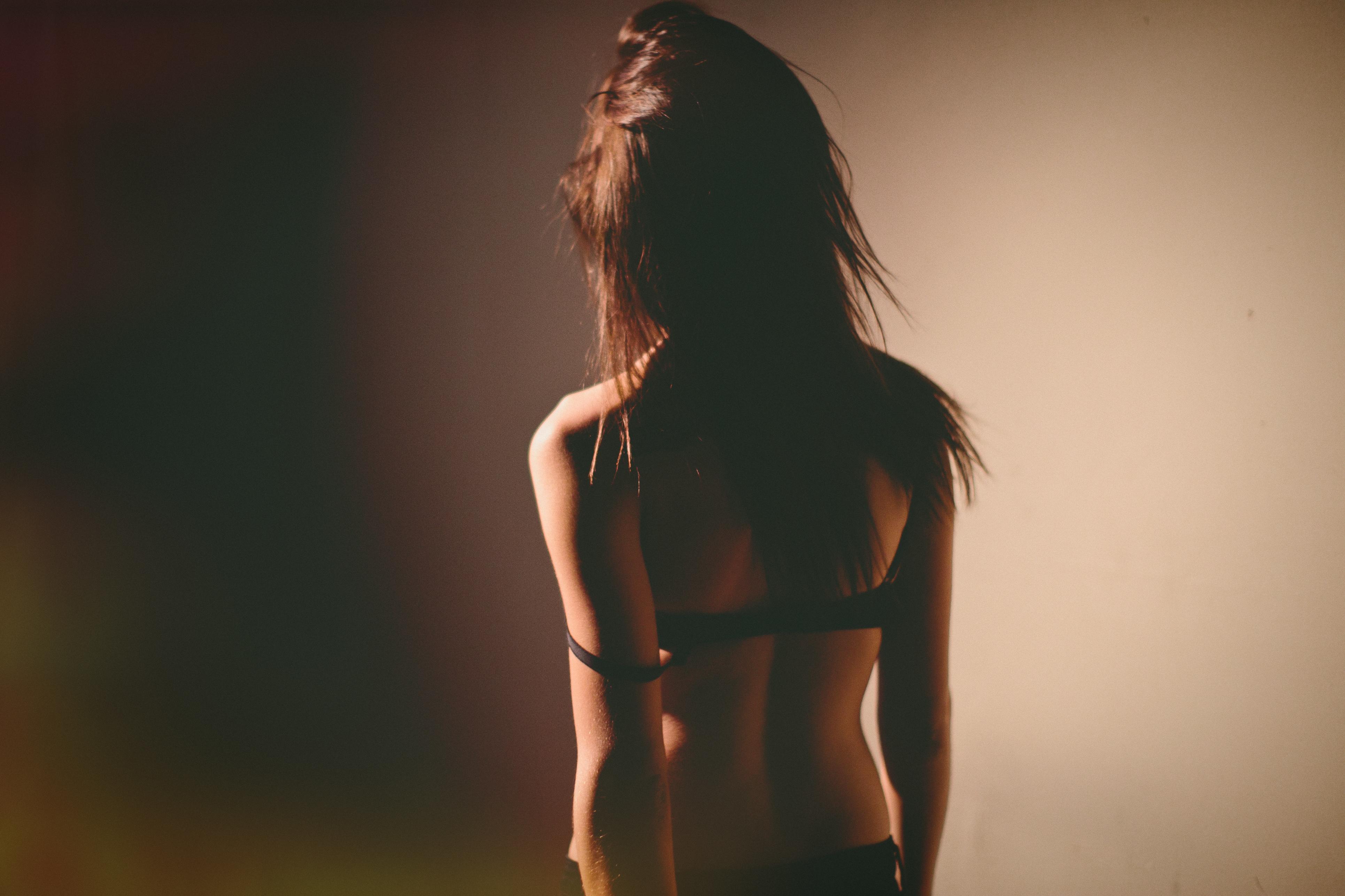 Фотография брюнеток зади, Фотки красивых девушек брюнеток сзади 14 фотография