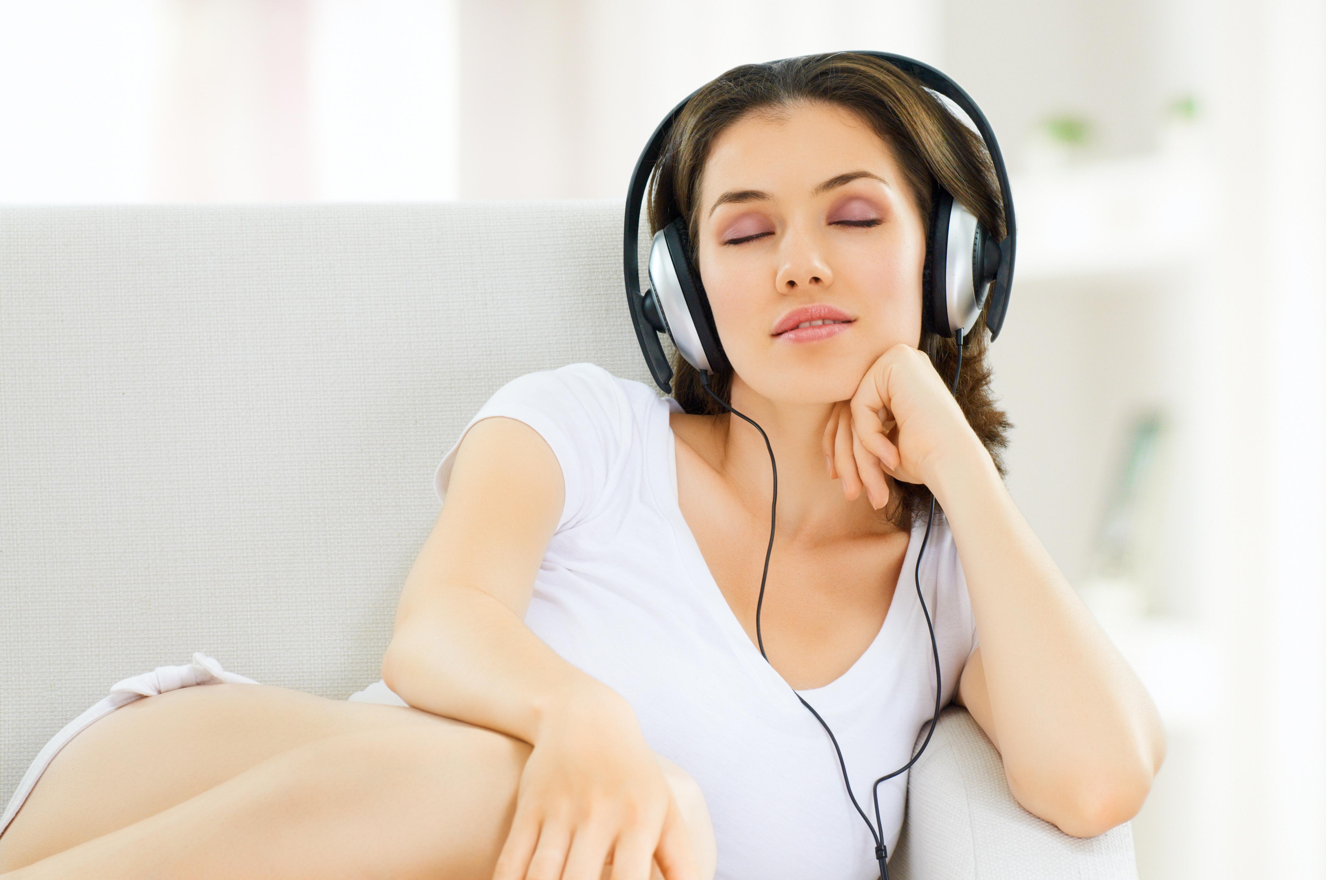Секс по телефону слушать бесплатно 16 фотография