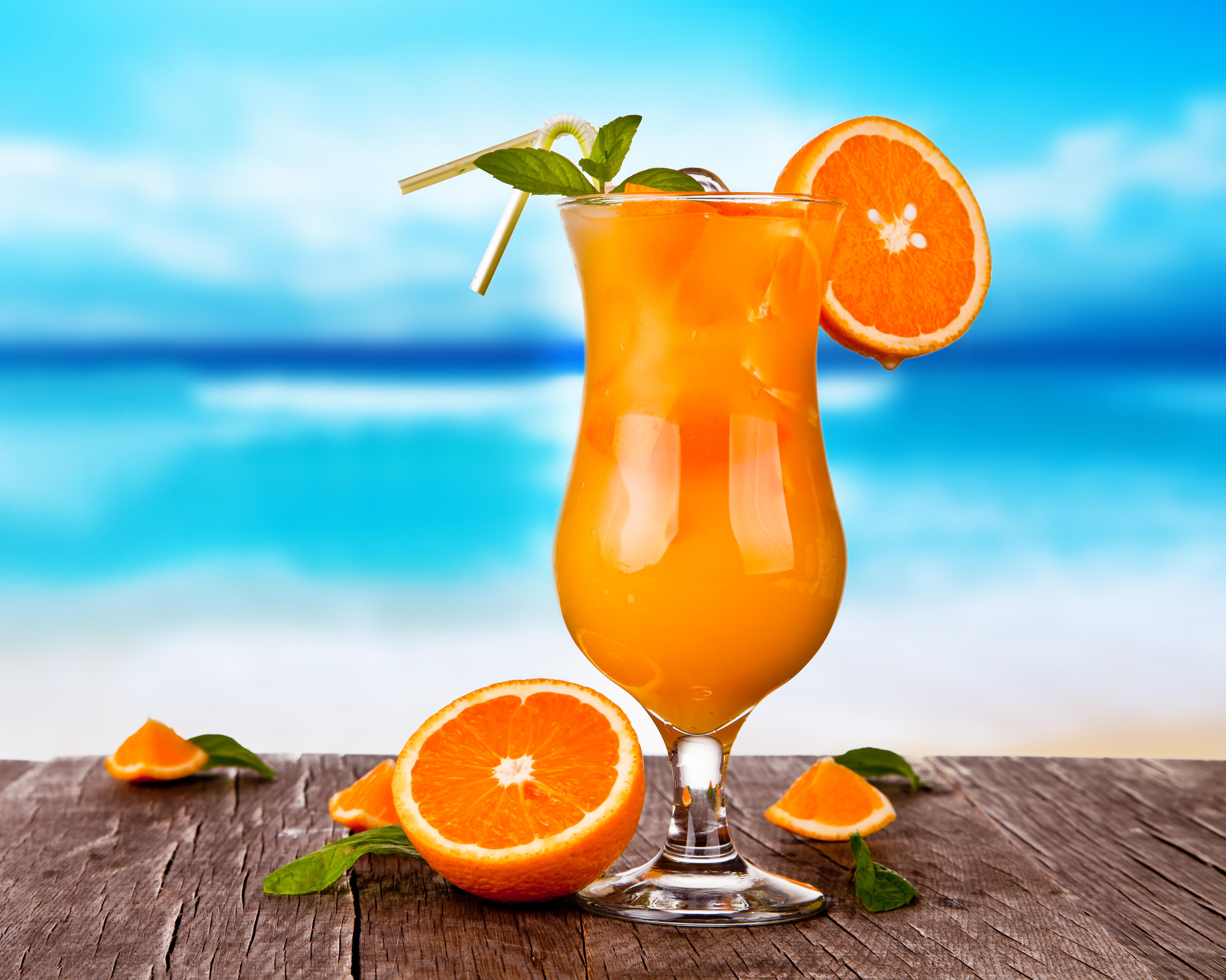 еда напитки лайм лимон апельсин клубника вишня коктейль food drinks lime lemon orange strawberry cherry cocktail  № 2154635 бесплатно