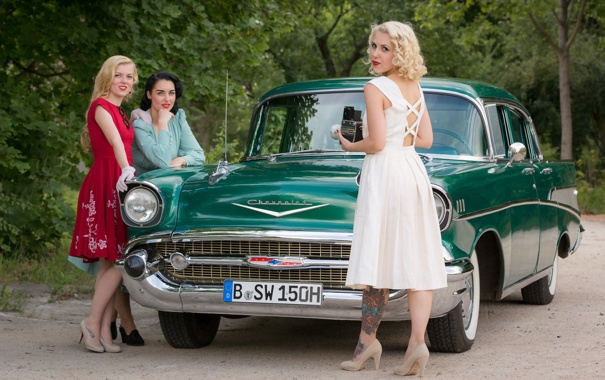Фото обои машина, фон, девушки, 1957 Chevrolet Model 57 BelAir