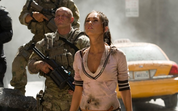 Фото обои машина, девушка, трансформеры, актриса, брюнетка, мужчина, megan fox