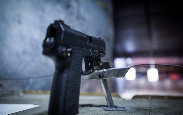 Фото обои макро, пистолет, оружие, фон