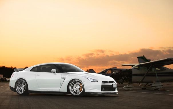 Фото обои белый, небо, закат, аэроплан, Nissan, GT-R, ниссан