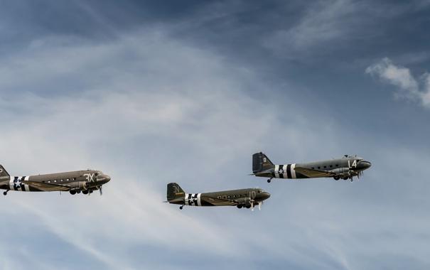 Фото обои небо, оружие, самолёты, Douglas C-47A