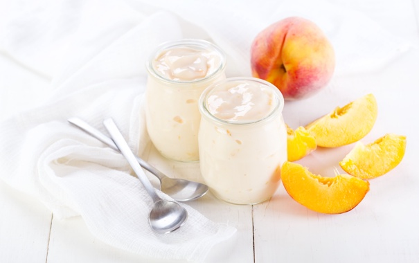 Фото обои персики, ложки, йогурт