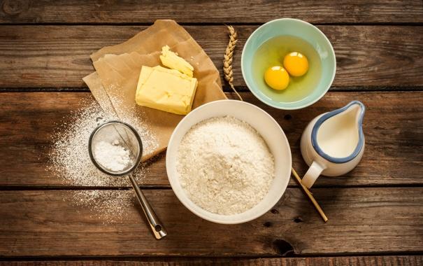Фото обои масло, яйца, молоко, колосок, мука, ситечко, кувшинчик