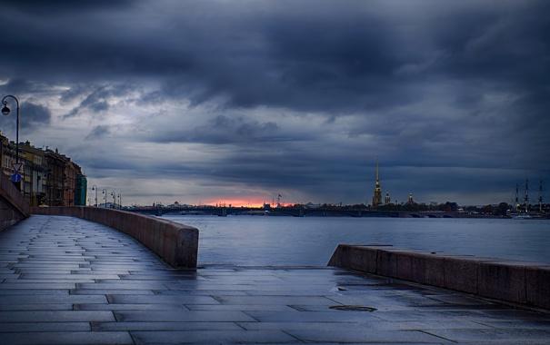 Фото обои тучи, река, пасмурно, вечер, набережная, Нева, Санк-Петербург