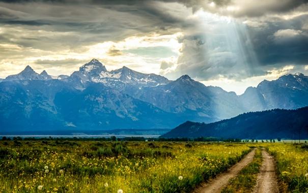 Фото обои поле, небо, горы, тучи, природа, sky, field