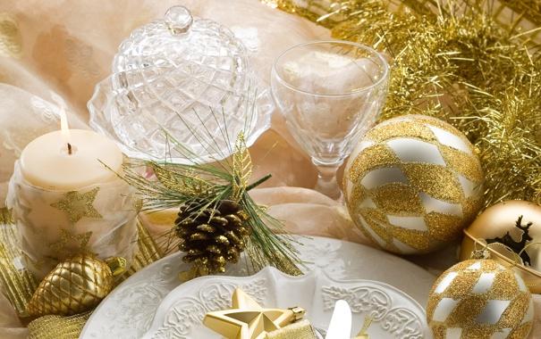 Фото обои стекло, стол, золото, праздник, шары, звезда, свеча