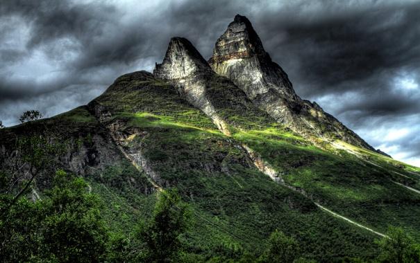 Фото обои небо, тучи, скалы, гора