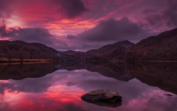 Фото обои небо, облака, горы, озеро, вечер, зарево