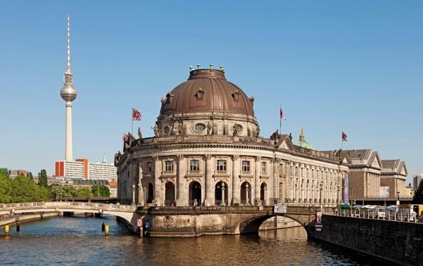 Фото обои Берлин, река, небо, город, Германия, Bode Museum, мост