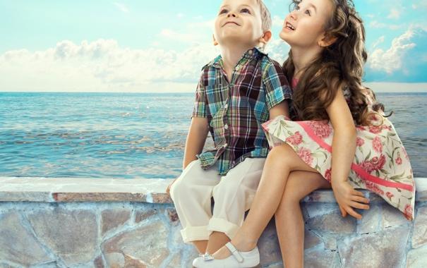 Фото обои море, радость, дети, настроение, мальчик, девочка, друзья