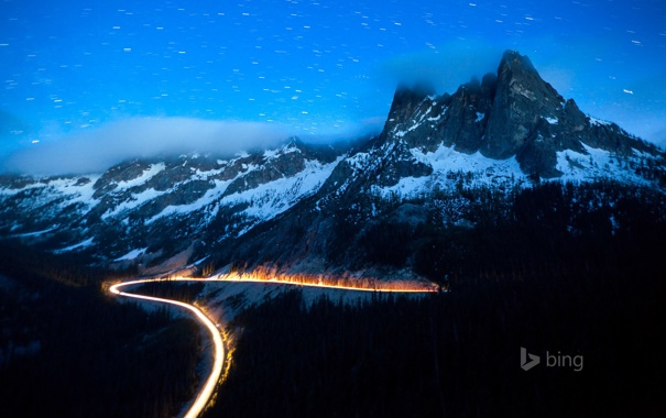 Фото обои дорога, лес, небо, звезды, облака, снег, горы