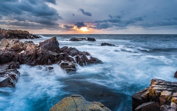 Фото обои море, волны, шторм, океан, скалы, рассвет, утро