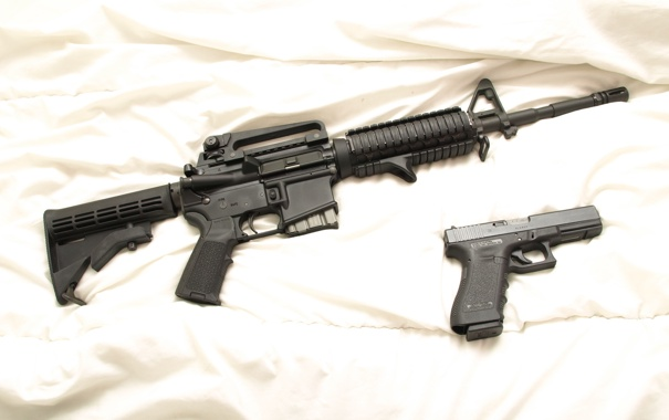 Фото обои пистолет, дуло, автомат, обойма, курок, приклад