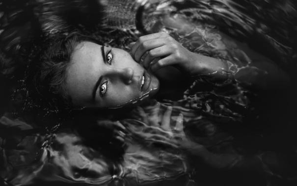 Фото обои в воде, девушка, TJ Drysdale