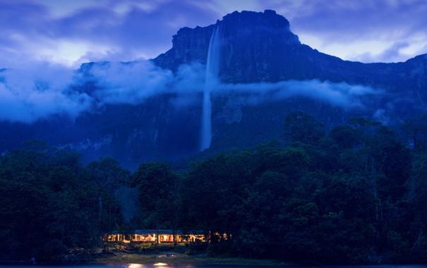 Фото обои лес, облака, гора, домик, Венесуэла, Национальный парк Канаима, Водопад Анхель