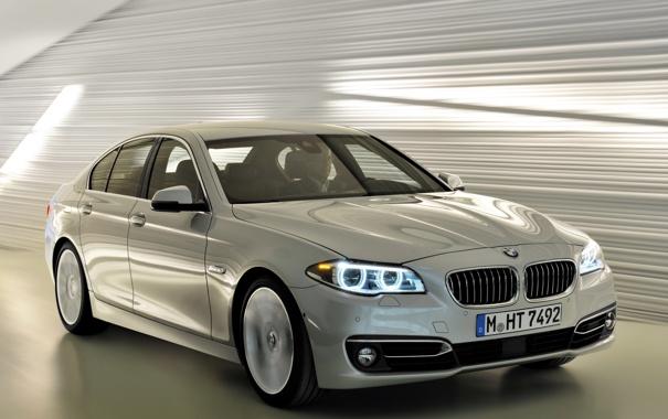Фото обои фары, BMW, автомобиль, красивый, передок, Sedan, 535i
