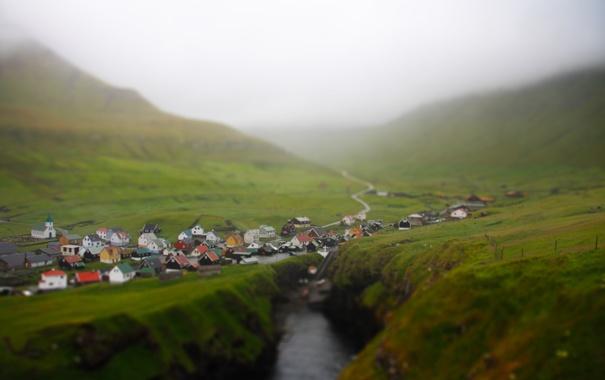 Фото обои горы, туман, деревушка, тилт шифт