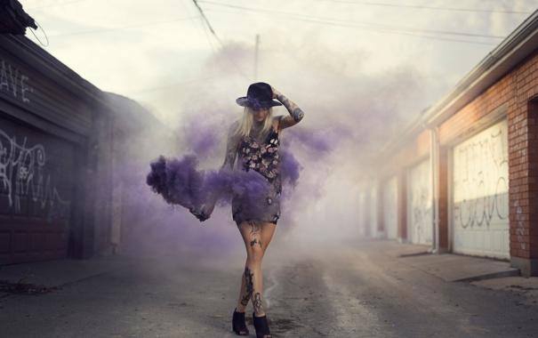 Фото обои девушка, дым, тату, Purple Stuff