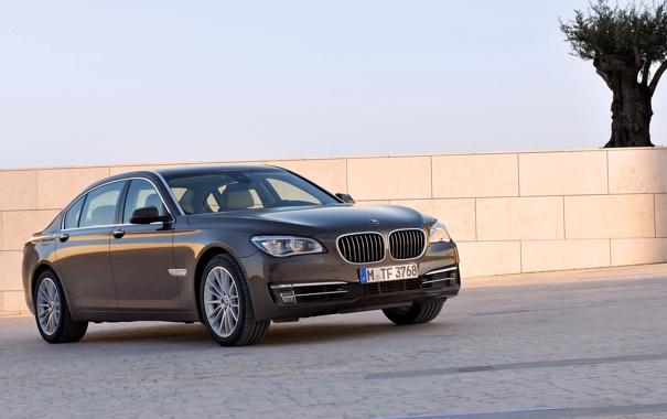 Фото обои Авто, BMW, Машина, Бумер, Решетка, БМВ, Брусчатка