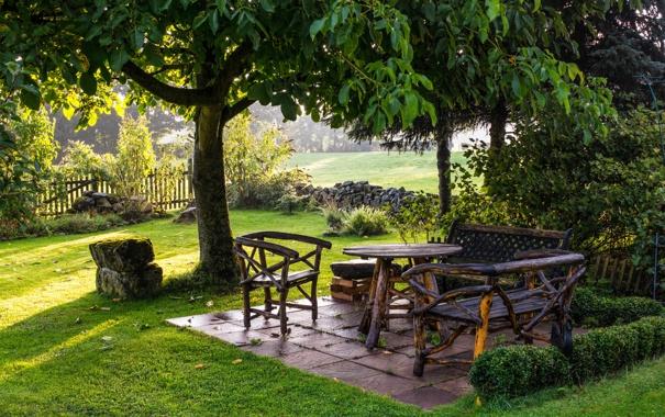 Фото обои зелень, трава, деревья, камни, забор, сад, кусты
