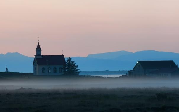Фото обои природа, туман, дома, церковь, дымка
