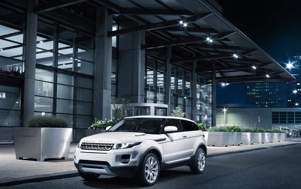 Фото обои дорога, город, внедорожник, Range Rover, ночь, Evoque 2011