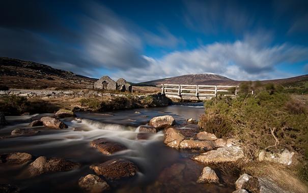 Фото обои мост, река, камни, холм, руины
