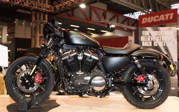 Фото обои дизайн, мотоцикл, выставка, Harley Davidson