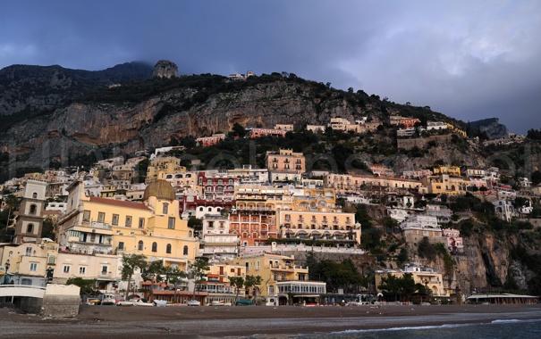 Фото обои небо, фото, скала, город, дома, Италия, горы