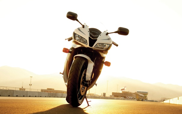 Фото обои дорога, асфальт, спорт, фары, колесо, мотоцикл, Honda