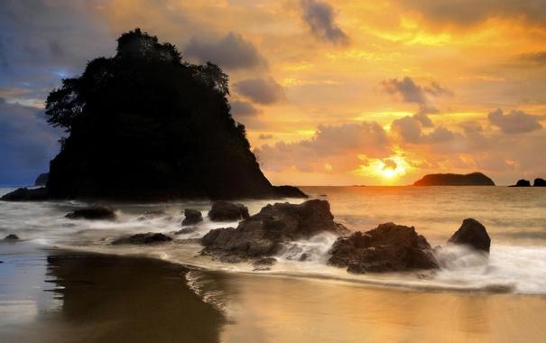 Фото обои песок, море, волны, пляж, небо, пена, вода