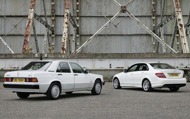 Фото обои белый, фон, Mercedes-Benz, Мерседес, седан, вид сзади, and