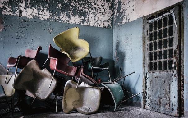 Фото обои комната, стулья, дверь